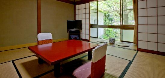 里山の客室