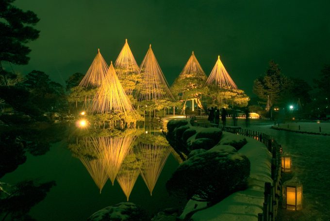 兼六園 (冬・雪吊り)030金沢市観光協会_写真提供金沢市